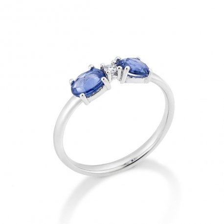 RING WITH SAPPHIRES AND WHITE DIAMOND